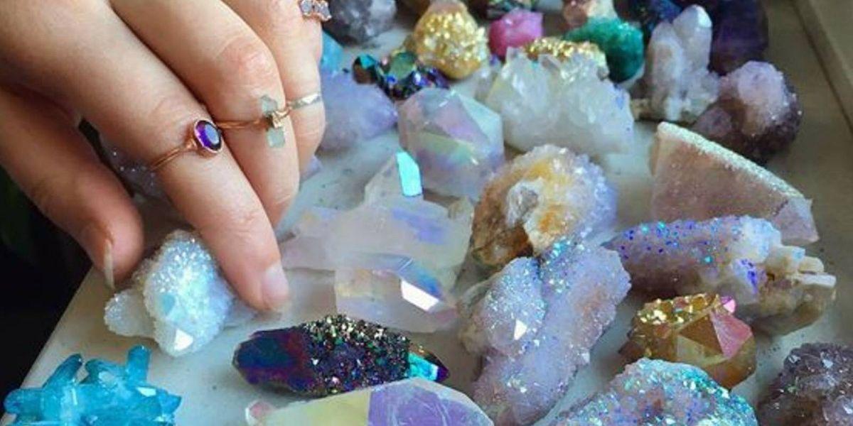 Aprovecha estos cristales curativos para atraer la buena vibra durante el eclipse de sol
