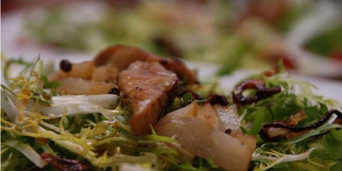 Prepara una ensalada de pato y foie gras