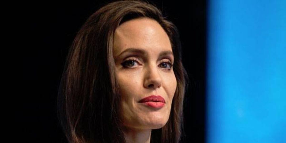 ¡Bancarrota! Aseguran que Angelina Jolie no tiene ni un centavo en su cuenta y vive de los préstamos que le hace Brad Pitt