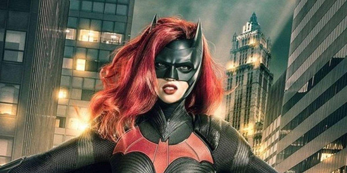 ¡Épico! Así será el debut Batichica en episodio que cruza 'Flash' con 'Arrow' y 'Supergirl'