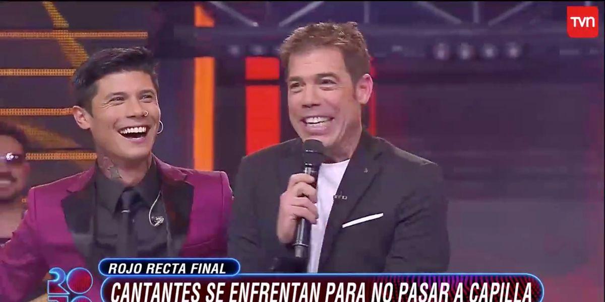 """El último chascarro de """"Rojo"""": Participante salió a cantar sin micrófono"""