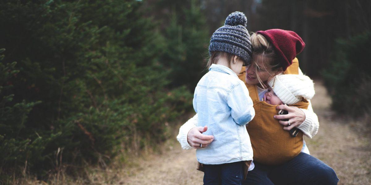 Mujeres que crecen sin padre suelen ser más inteligentes, según reveló estudio