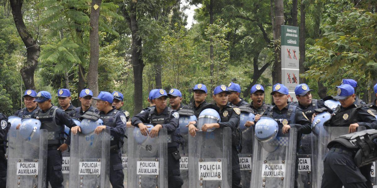 ¿La gente está de acuerdo con la disolución de granaderos en México?