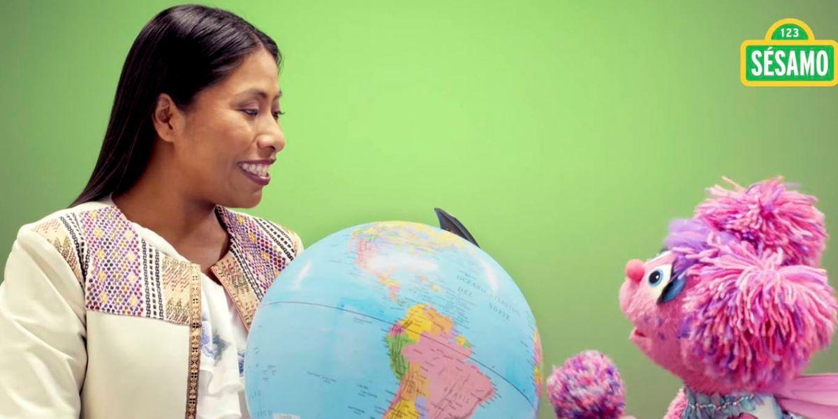 El poderoso mensaje de Yalitza Aparicio en Plaza Sésamo con el que motiva a los niños del mundo