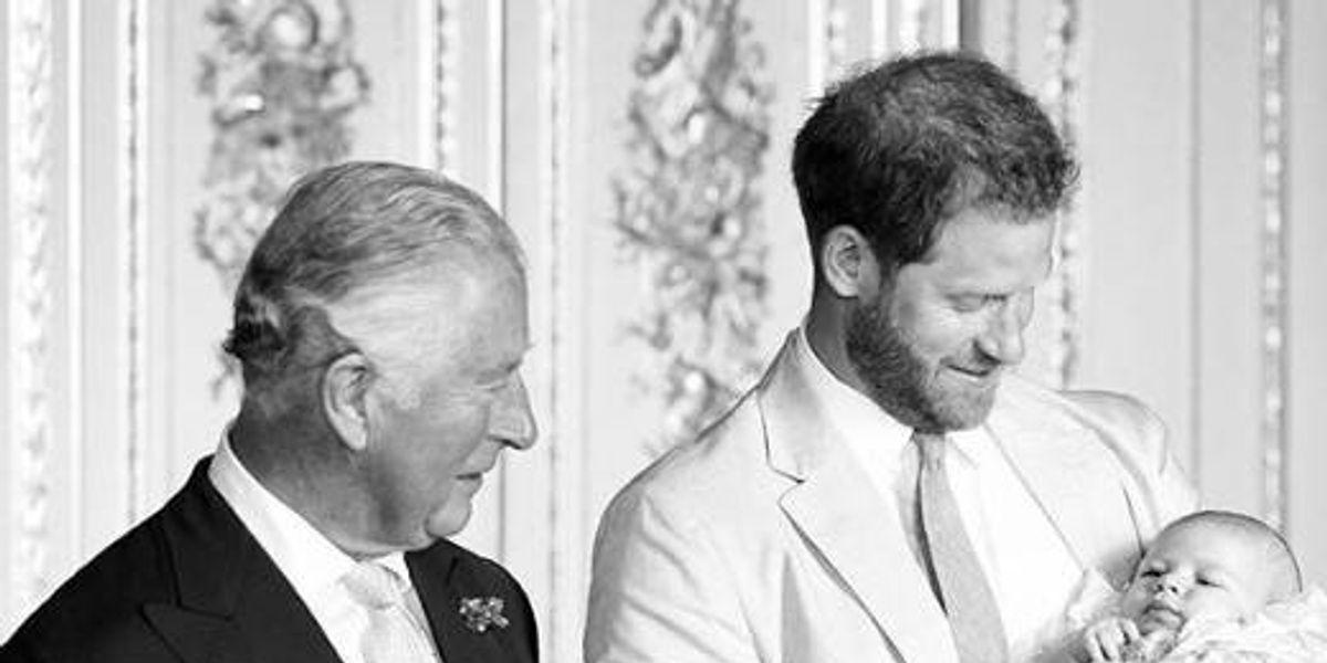 Revelan una nueva y adorable foto de Archie donde luce idéntico al príncipe Harry