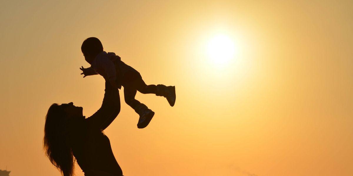 Ser madre luego de los 30 puede dar lugar a niños más inteligentes, según estudio