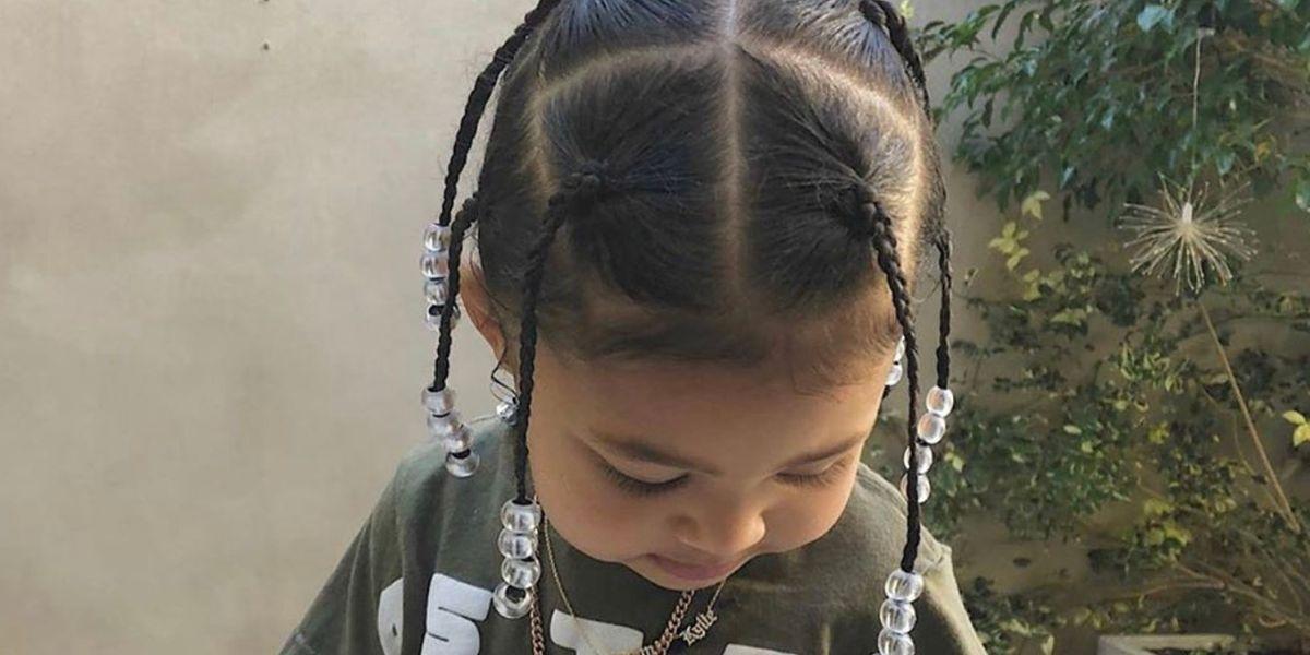 El extravagante estilo de Stormi, la hija de Kylie Jenner que encanta en Instagram