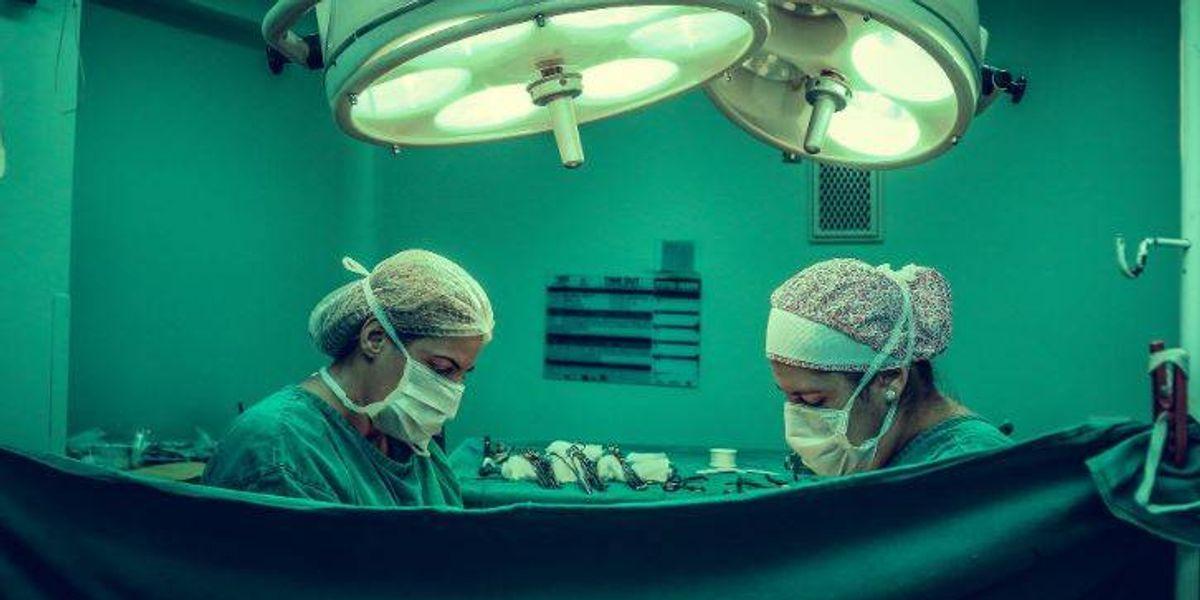 Paciente murió luego de contraer una bacteria durante cirugía estética en clínica de Tijuana