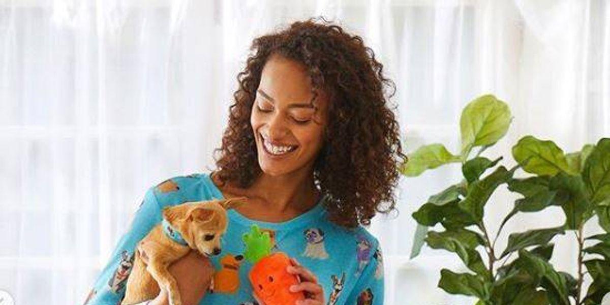 Disney lanzó una línea de ropa y accesorios para los perros y sus dueños y es adorable