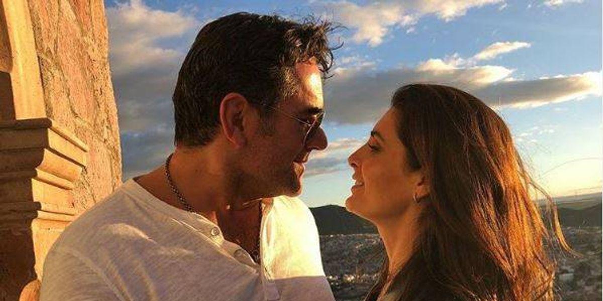 Las románticas vacaciones de Mayrín Villanueva y Eduardo Santamarina en la nieve