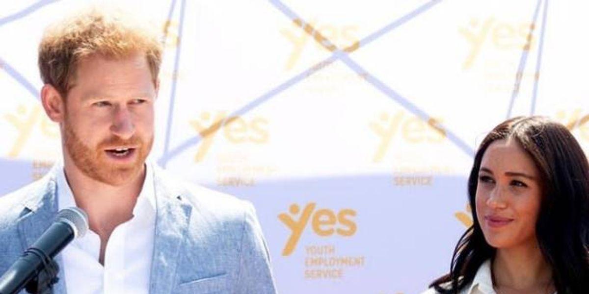 El príncipe Harry regañó a una periodista que lo acosó con preguntas en su gira africana