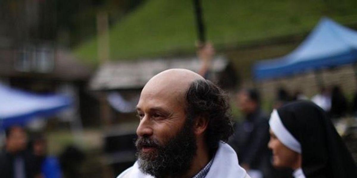 """Andrés Velasco se despide de """"Isla Paraíso"""": """"Me cuesta imaginar cómo será mi vida sin el Padre Gabriel"""""""
