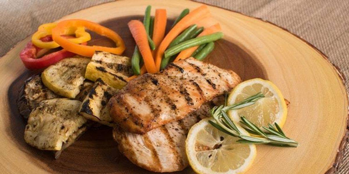 Tres recetas con pollo deshebrado, rendidoras y fáciles de preparar