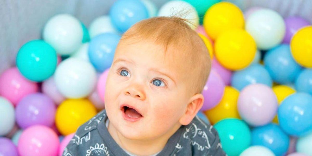 Las albercas de pelotas son un nido de gérmenes y un riesgo para la salud de los niños