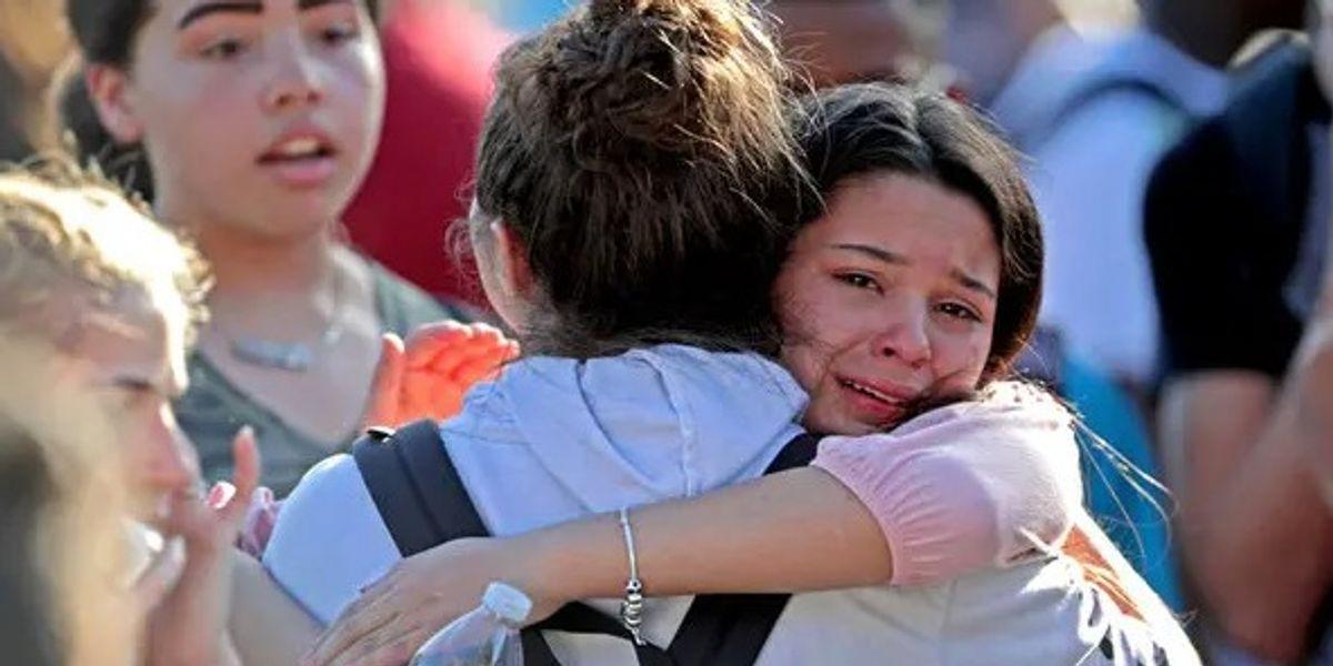 """Estados Unidos comenzó a vender mochilas """"a prueba de balas'"""" para que los niños regresen seguros a clase"""