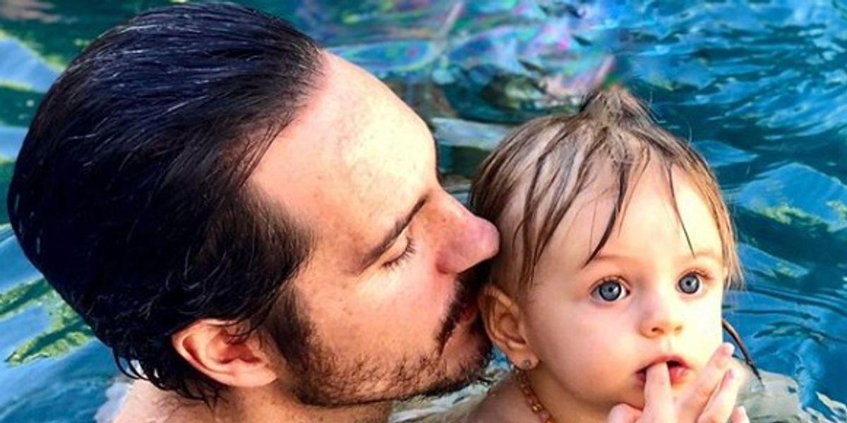 Mauricio Ochmann y su hija Kailani prueban tener el mejor estilo con lentes oscuros