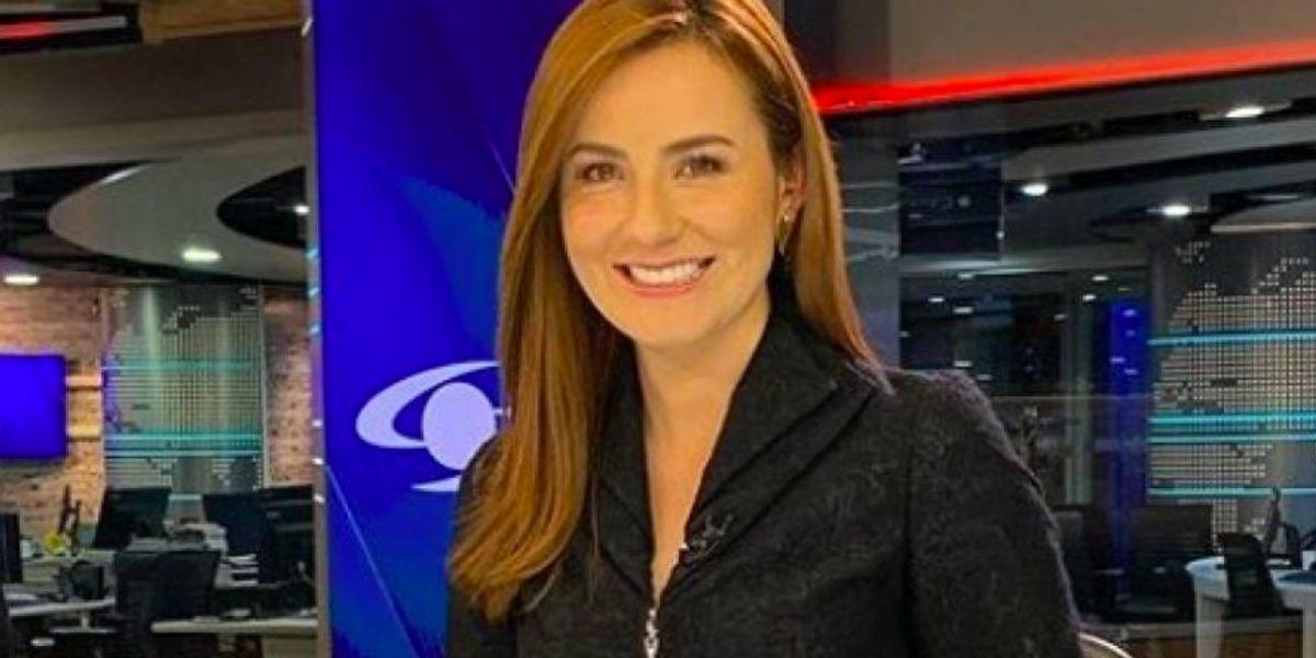 El detalle que Daniela Pachón de Noticias Caracol cubre con maquillaje en su rostro