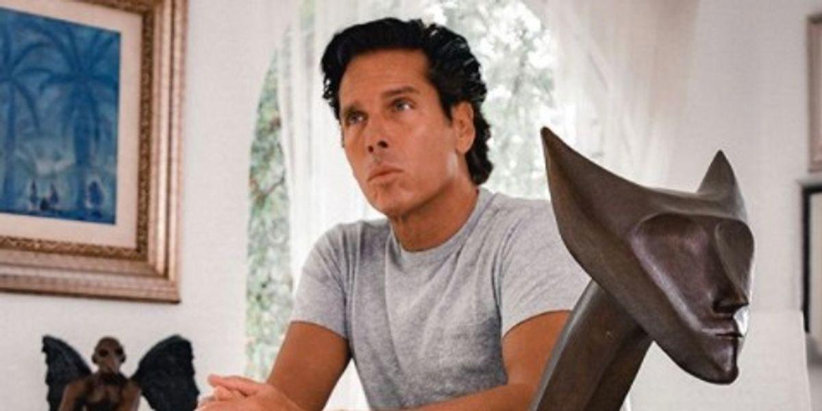 Él es el hijo adolescente de Roberto Palazuelos que es idéntico al empresario
