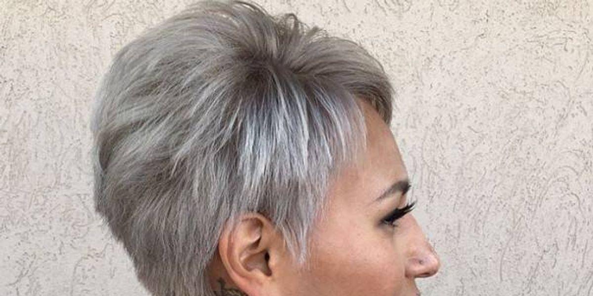 Los mejores colores de cabello para piel morena, según los expertos