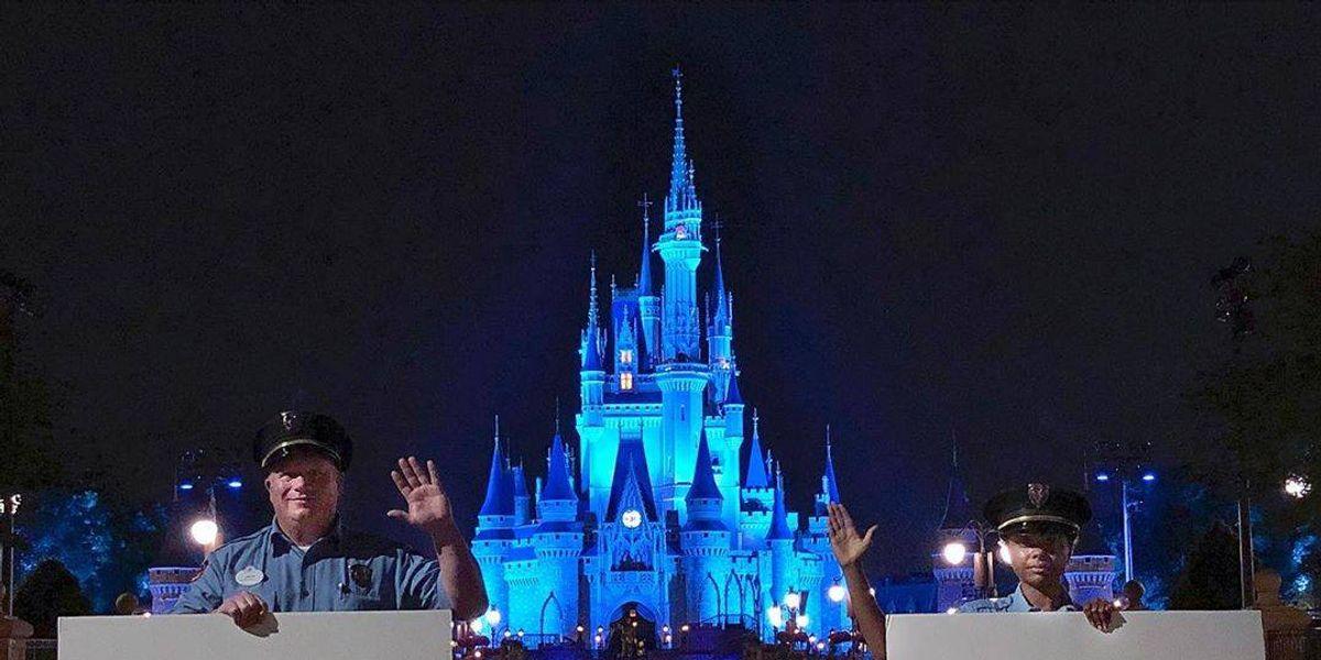 """Desde hoy Disney abre un complejo pero los clientes """"asumen los riesgos"""" de contraer coronavirus"""