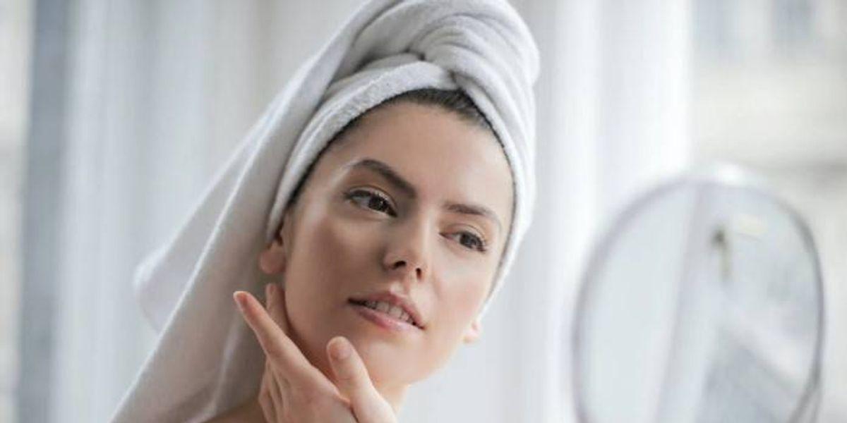 Prepara este remedio casero para eliminar las ojeras de manera segura y natural