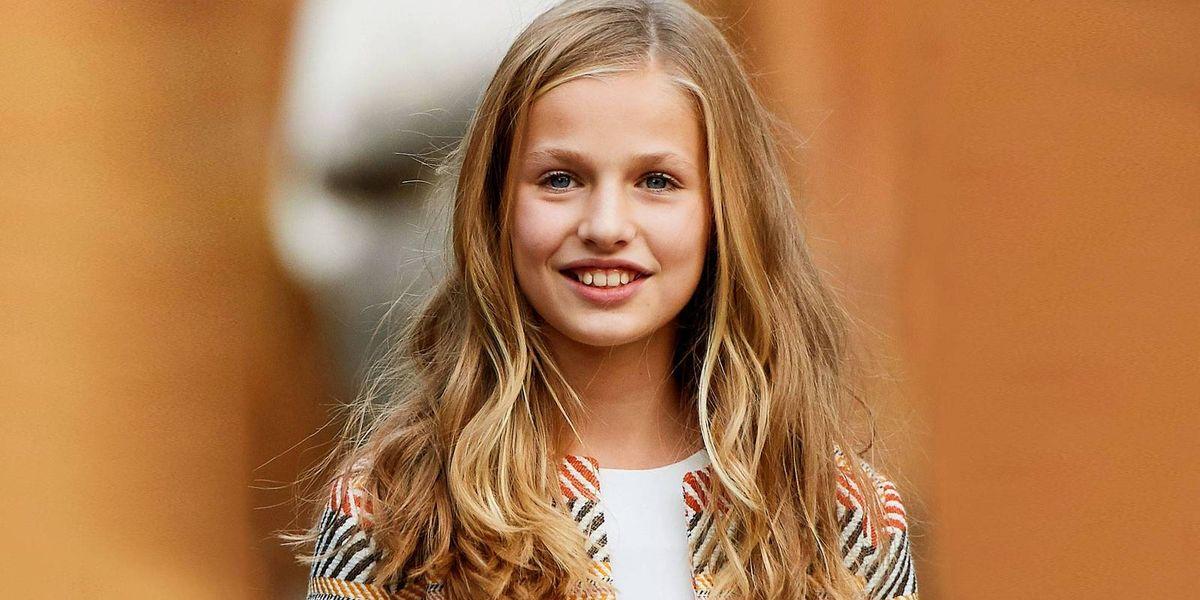 La princesa Leonor impone nueva tendencia 2021 con vestido estilo pareo y alpargatas plataforma