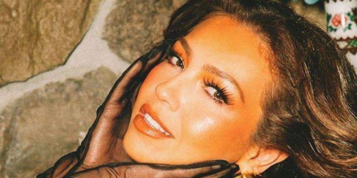 Thalía muestra su rostro perfecto sin maquillaje y sorprende en 2020 con su eterna juventud