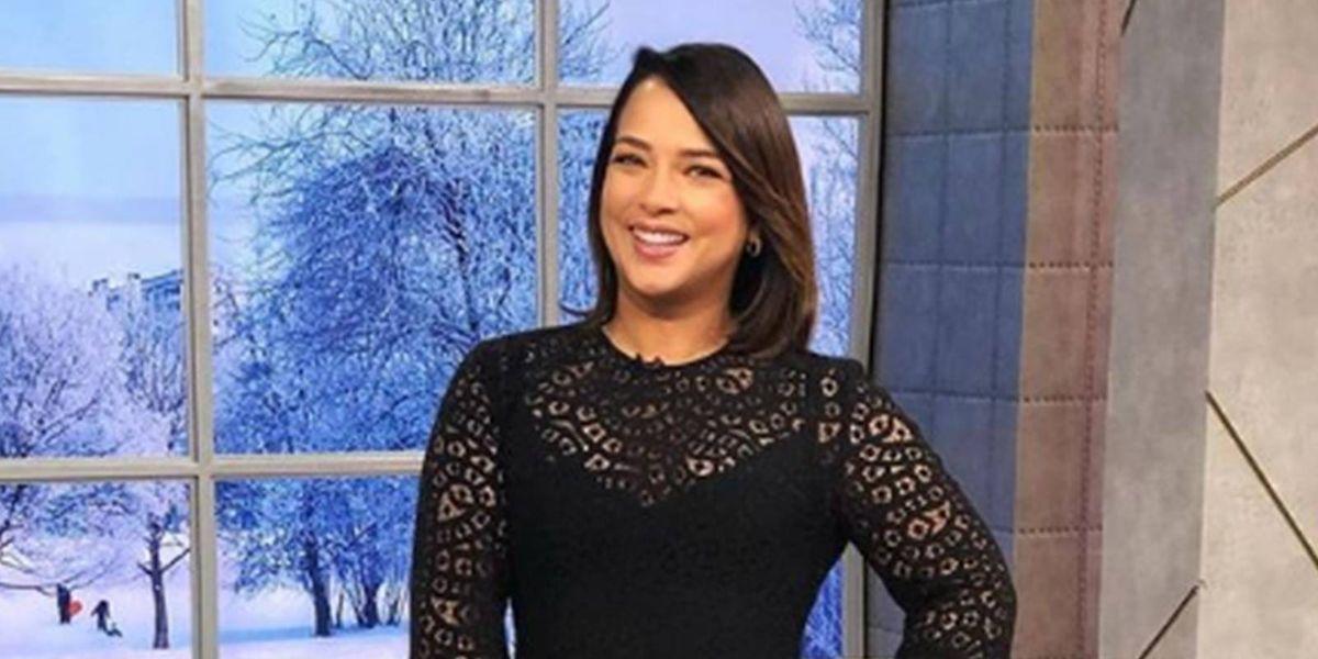 Adamari Lopez en mini vestido de cuero da clases de elegancia para mujeres de 40