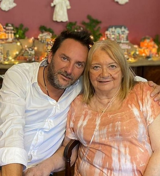 Daniel Fuenzalida y su madre
