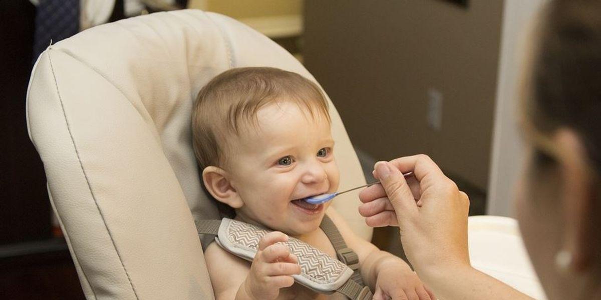 Trucos para enseñar a tu bebé a probar alimentos nuevos