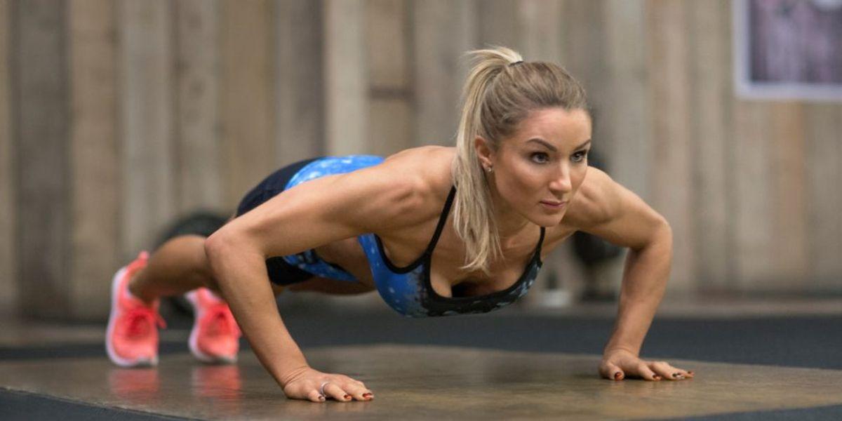 4 ejercicios que se ha puesto de moda y son perfectos para adelgazar y quemar grasa