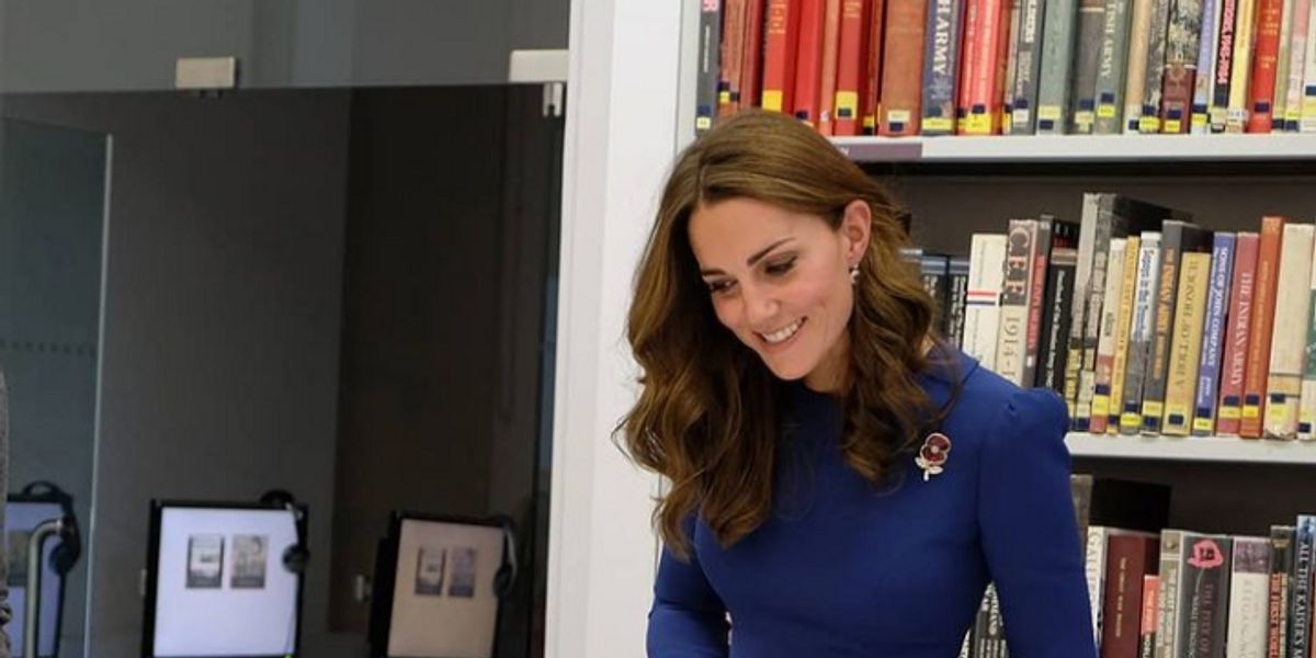 Cinco outfits de Kate Middleton en azul, el color de la serenidad