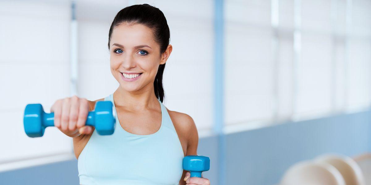 Brazos tonificados, los 5 ejercicios más fáciles para lograrlo