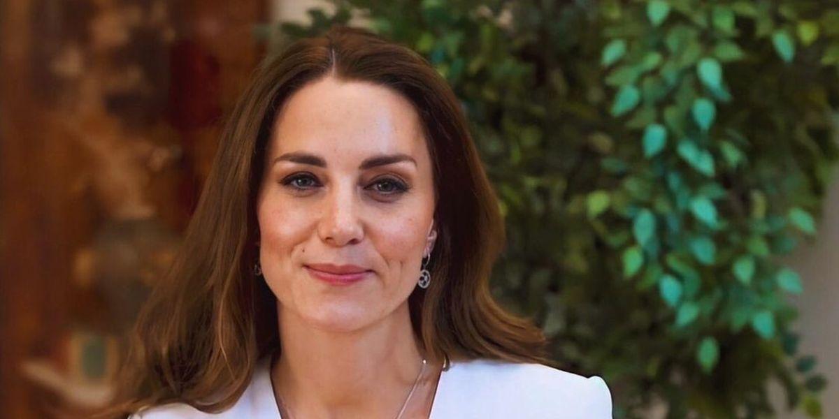 Kate Middleton recibió la primera dosis de la vacuna anticovid y su look acaparó la atención