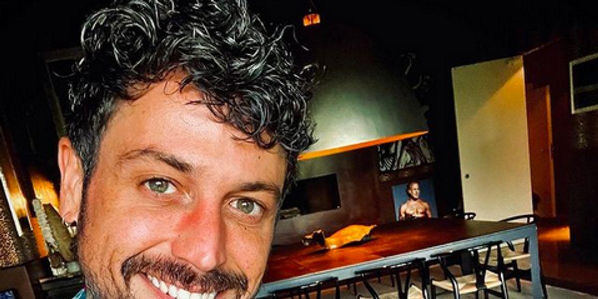 """Pascual Fernández realizó simbólico paseo con la urna de su perro Guero: """"Siempre estaremos juntos"""""""