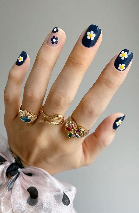 uñas de margaritas