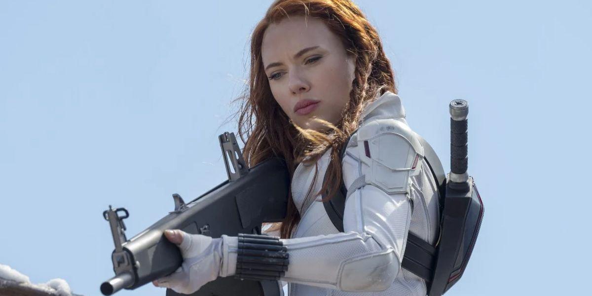 """4 veces que Scarlett Johansson a callado a quienes creen que es sólo """"una cara bonita"""""""